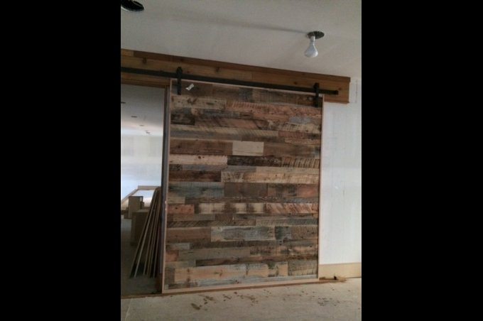 Decorating reclaimed wood barn doors inspiring photos for Buy reclaimed wood los angeles